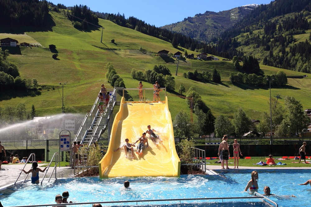 Freischwimmbad wellness tourismusverband gro arltal for Hotel munster mit schwimmbad