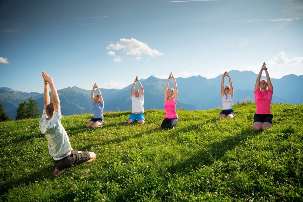Theme hikes including yoga hikes in Grossarltal