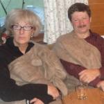 Andrea und Friedl - Friedl Zufriedenheit ins Gesicht geschrieben
