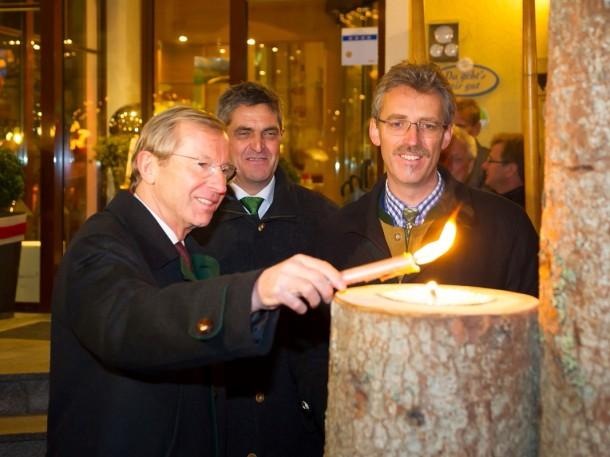 Landeshauptmann Dr. Wilfried Haslauer bei der symbolischen Eröffnung