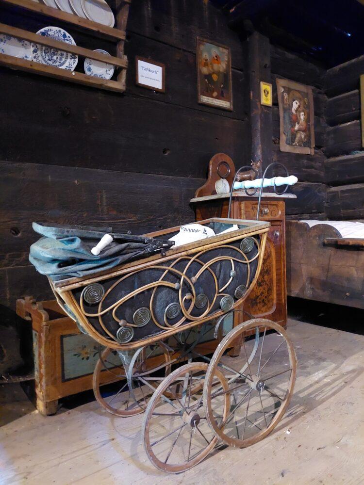 Kinderwagen im Heimatmuseum Kösslerhäusl