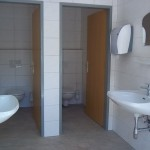 Neue Sanitäranlagen (öffentliche WC's) - auch so was gehört zu einer umfassenden Sanierung