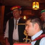 Lois (mit der Dienstmütze) und Herbert vom Aschaustüberl in Hüttschlag