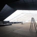 Mittwoch - es geht an die Innenausstattung - Vorhänge und Stoffbahnen werden aufgehängt