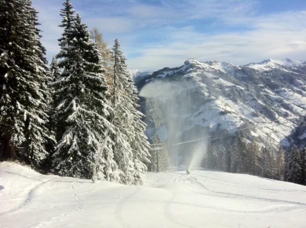 Schneeerzeugung im Großarltal - dahinter der Saukarkopf