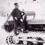 Betriebsleiter Florian Heigl mit dem ersten Pistengerät