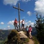 Der erste Gipfel ist geschafft. Gipfelsieg am Remsteinkopf.