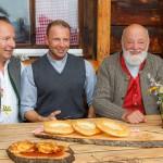 Sepp mit Pfarrer Richard Wayringer und dessen Bruder Johann