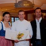 Küchenmeister Christian Gaspar mit den Wirtsleuten Elisabeth und Sepp Kendlbacher