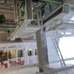 Den Schnee weht es bis ins Stationsinnere wie hier bei der Bergstation Fulseck