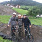 Die Rider (Kevin Böck, Maximilian Sendlhofer und Chistian Perkonigg) der Dirt-Jump-Show © Großarler Bergbahnen