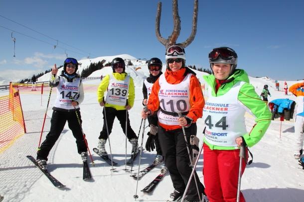 Lady-Skirennen - mit Gruppeneinteilung nach Haarfarbe