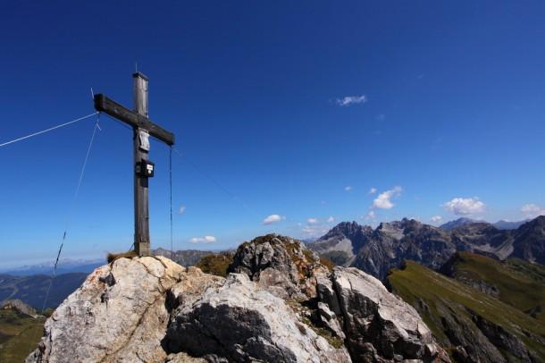 Der Draugstein (2.356 m), Blick Richtung Osten zu Faulkogel und Mosermandl