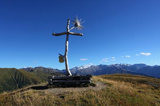 Symbolträchtiges Kreuz auf der Filzmooshöhe