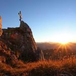 Sonnenuntergang am Draugstein mit seiner markanten Nordwand