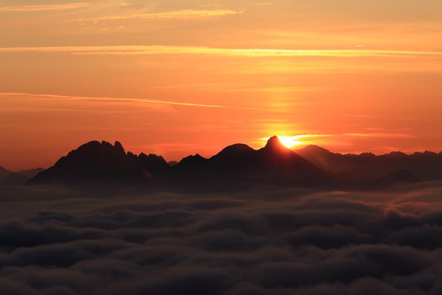 Sonnenaufgang über Moosermandl und Faulkogel