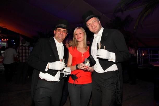 Die beiden Gentlemen Hans und Chris überraschten alle Damen mit einem Glas Prosecco