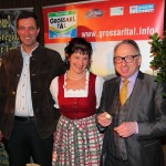 Ronald Barazon mit Elisabeth und Hans beim Small-Talk bzw. Verkosten