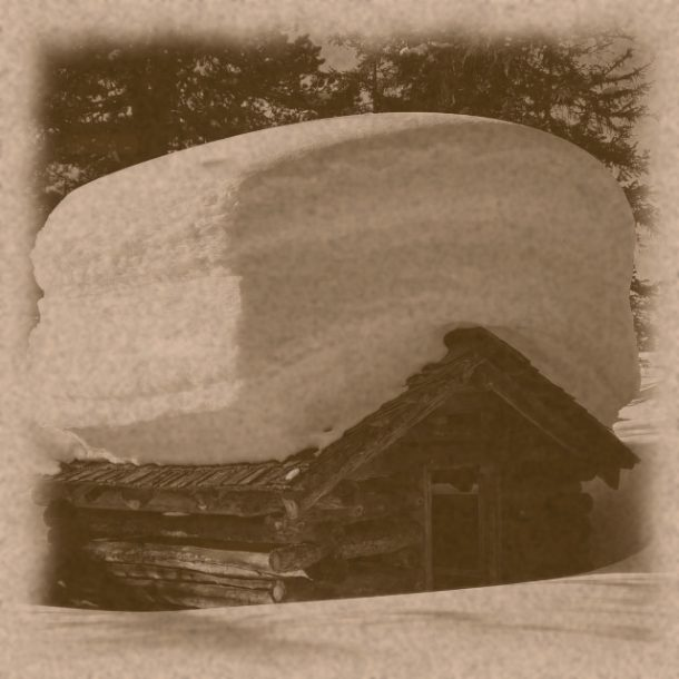 Am Heustadl sind mehr als 2 m Schnee