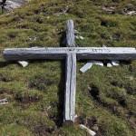 Das war wohl mal das ehemalige Kreuz der Schiedhöhe