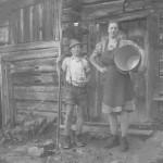 Hirter Karl und Sennerin Elisabeth auf der Karsegg-Hochalm im Jahr 1951