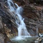 Kleiner Wasserfall am Weg zur Modereggalm