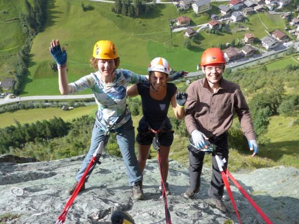 Klettern am Klettersteig in der Hüttschlager Wand