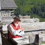 Sepp Forcher bei der Moderation auf der Weißalm