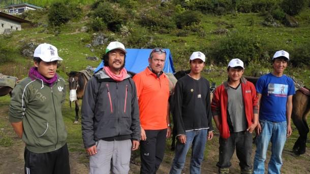 Kollege Reinhold marketingmäßig höchst erfolgreich in Bhutan unterwegs