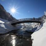 Die Rad- und Wanderwegbrücke überspannt die Großarler Ache