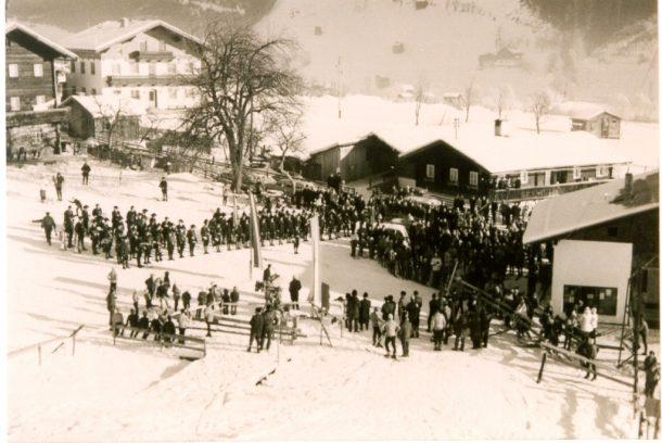 Eröffnung des ersten Liftes, dem Schlepplift Hochbrand, im Jahr 1966