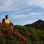 """Kurze """"Fotopause"""" über der herrlichen Blütenpracht am Weg zum Gründegg"""