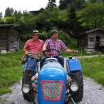 Martin und Michael am Traktor im Talmuseum