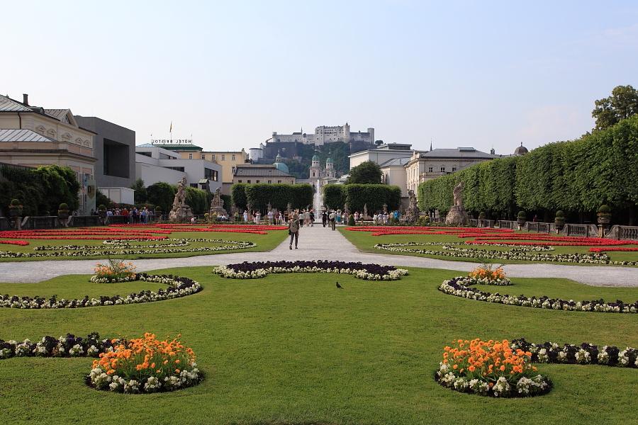 Besuch im Mirabellgarten in der Stadt Salzburg mit der SalzburgerLand Card