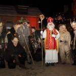 Nikolaus und Krampus am Adventmarkt