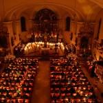 Osternacht in der Pfarrkirche Großarl bei Kerzenschein