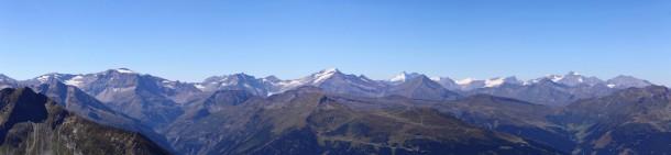 Die wichtigsten Gipfel v.l.n.r.: Schareck, Sonnblick, Hocharn, Großglockner, Wiesbachhorn