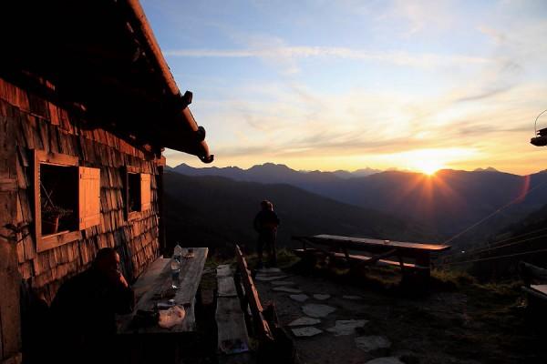 Sonnenuntergang auf der Weißalm