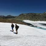 Rechts Pfringersee - hier auf über 2.200 m Seehöhe liegen noch Reste von Schnee