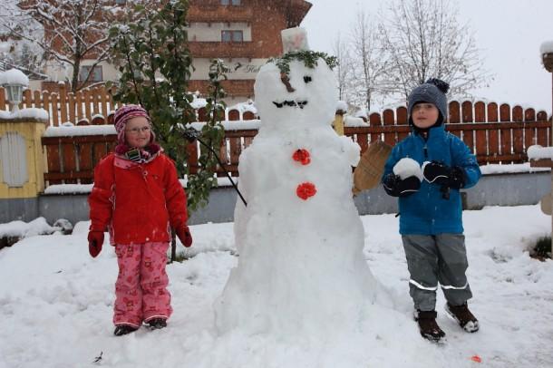 Unser erster Schneemann dieses Winters