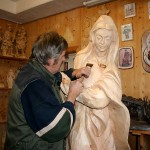 Arbeit an der Hl. Maria der Dorfkrippe im Jahr 2007