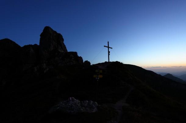 Tagesanburch am Wetterkreuz am Fuße von Schuhflicker und Arlspitze