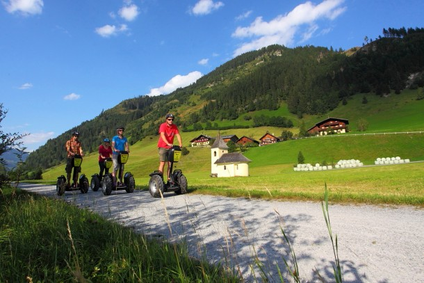 Segway-Tour am Radweg Richtung Hüttschlag