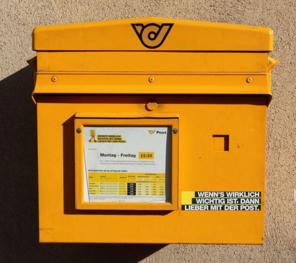 Einzig der Briefkasten erinnert noch daran, dass hier mal das Postamt war.