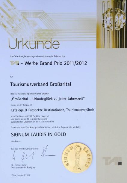 "Urkunde mit Medaille ""Signum Laudis"" in GOLD"