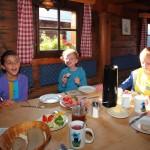 Köstliches Frühstück an der Unterwandalm