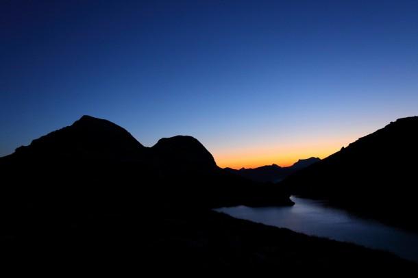 Gleich ist sie da - Tagesanbruch am oberen Schwarzsee
