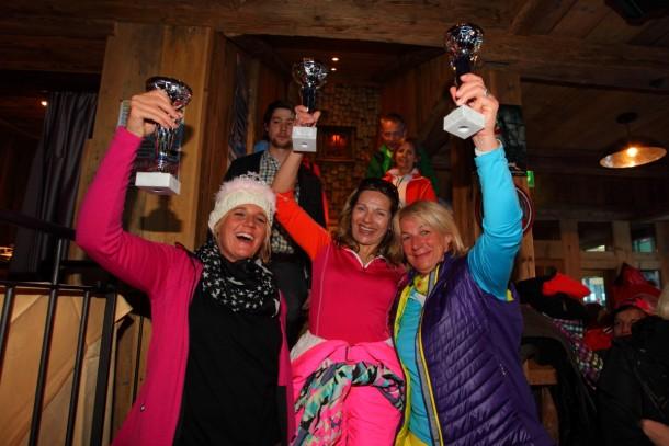 Die Siegerinnen der Gruppe Blond mit der Tagessiegerin Maria Haslinger (mitte)