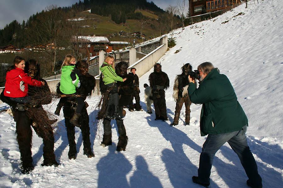 """Foto-Shooting von Michael Leischer für die """"Krone bunt"""" zum Thema Krampusse"""