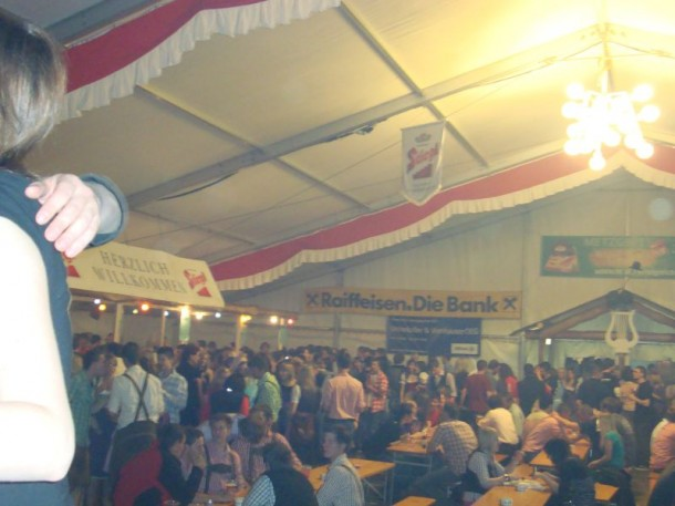 Partystimmung im Bierzelt in Hüttschlag
